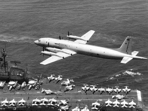 从神似P-3猎户座到头上顶个八仙桌,谈俄罗斯伊尔-38海上巡逻机