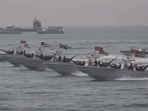 17000艘舰艇随时待命,51支舰队封锁海峡,伊朗:打就打全面战争