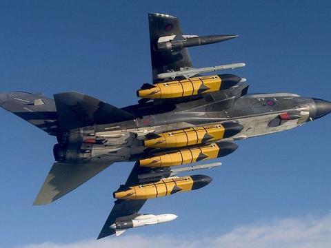 北约进行秘密军演,欧洲大国战机挂战术核弹演练,目标或针对北方