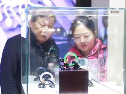 传承与创新 七彩云南亮相2019中国国际珠宝展