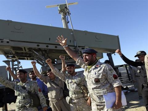 伊朗要自掘坟墓?美军不断中东增兵,总统和革命卫队却爆出内讧
