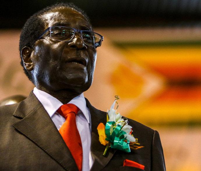 """""""解放战士与反殖民捍卫者"""":南非总统发文悼念穆加贝"""