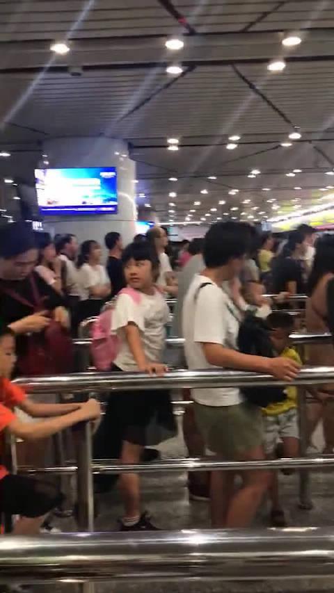 拜香港所赐,最近澳门的游客多得不得了。。 关注我  不迷路