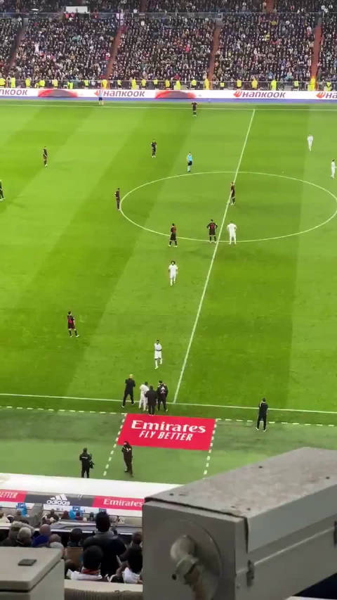 推上的利物浦球迷大肆造谣马塞洛在下场之前被嘘