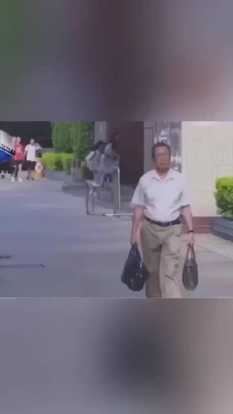 钟南山曾在2004年因透支过度,得过心肌梗死,放了一个支架