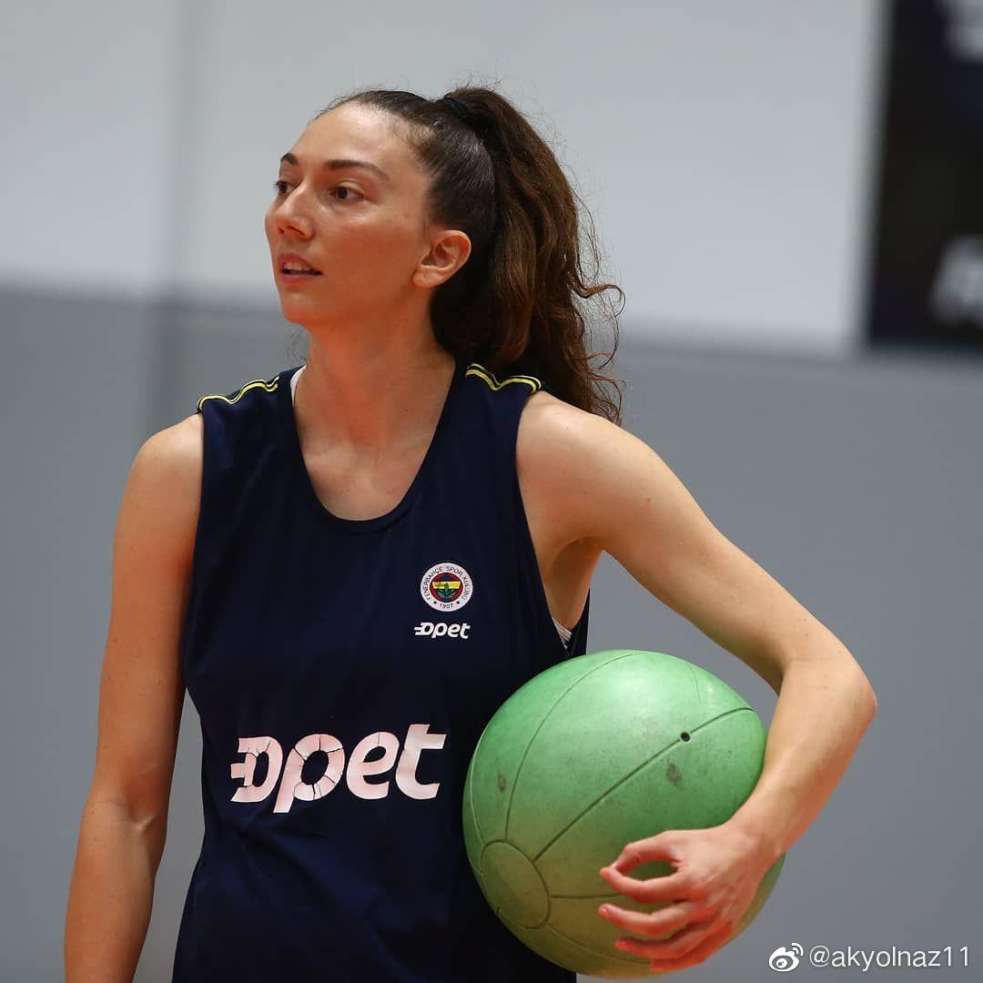 新赛季土耳其费内巴切女排俱乐部只缺外援罗宾逊。