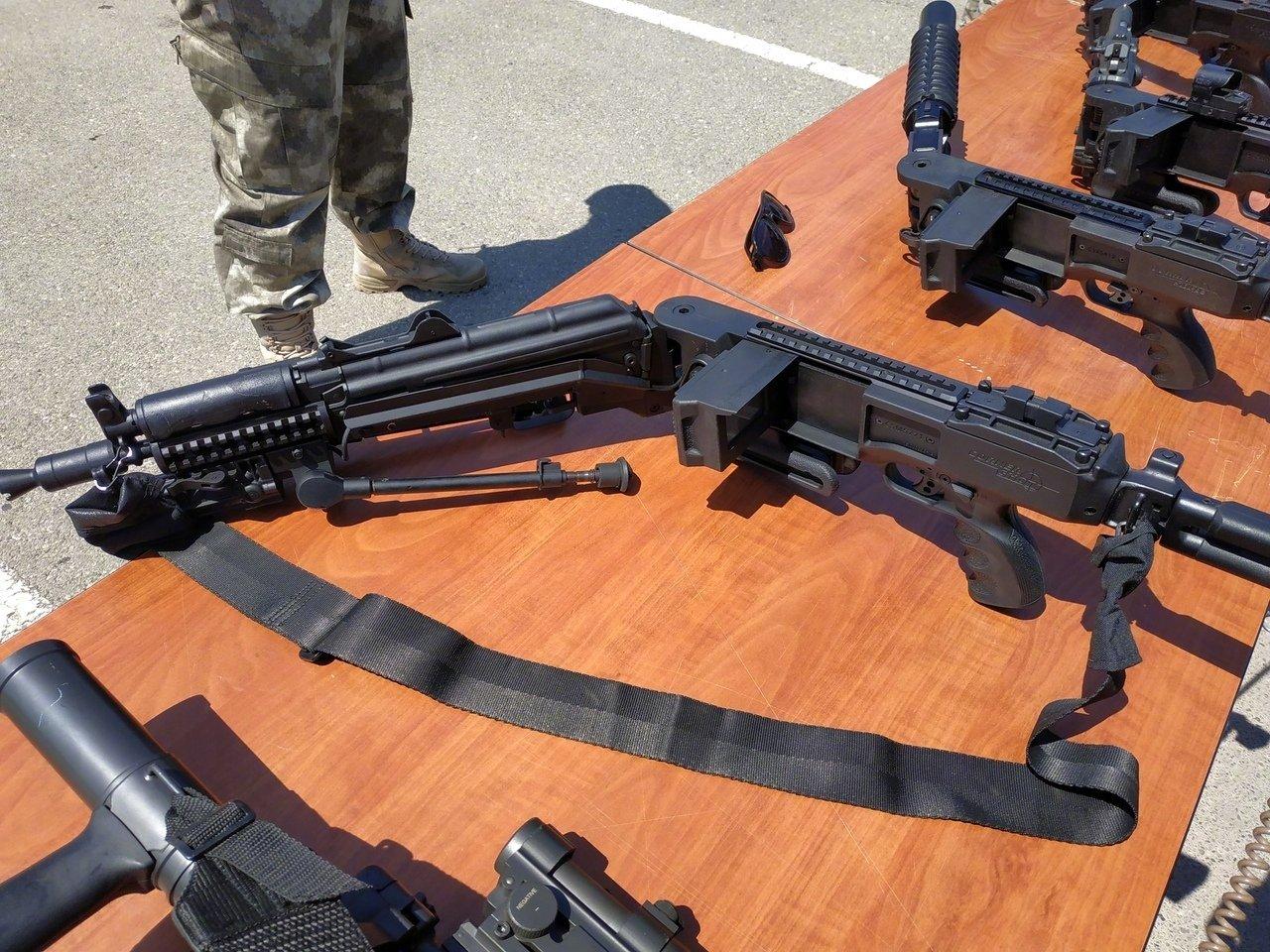 """阿塞拜疆边防部队装备的""""拐弯枪"""""""