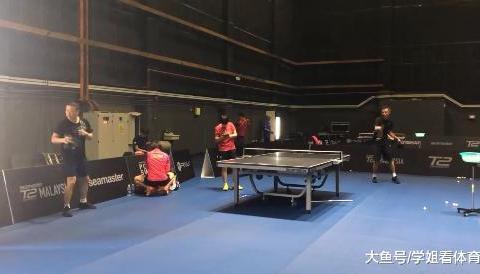 国乒参加T2联赛,马琳试球桌,男乒吃饭狼吞虎咽,樊振东有1变化