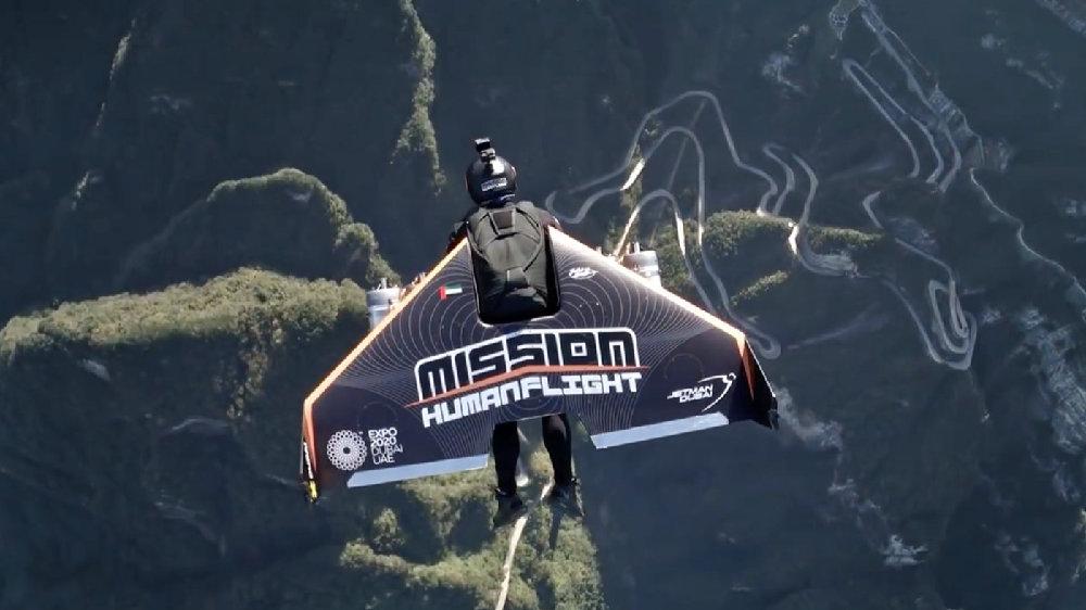 喷气式背包来了!飞行时速400公里,像钢铁侠一样自由飞翔