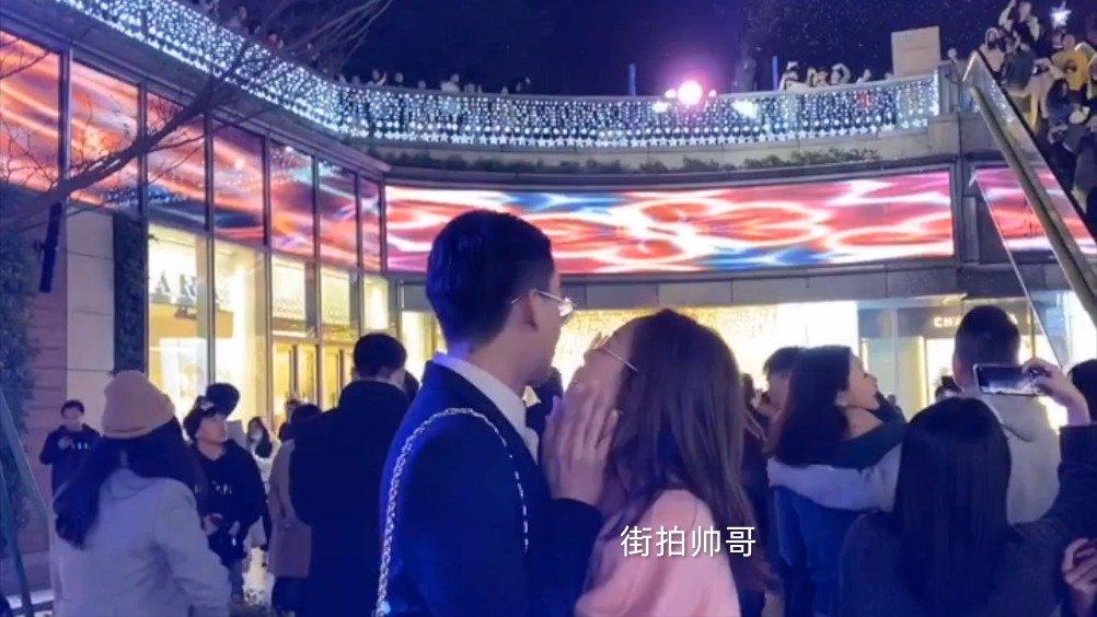 广州天环广场圣诞气氛4K拍摄