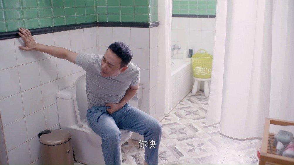 电视剧《安家》第10集、11集  徐姑姑骨折受伤之后的徐姑姑@罗晋 翻身