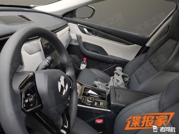 宝马N20发动机+豪华科技内饰 中华V9最新谍照曝光