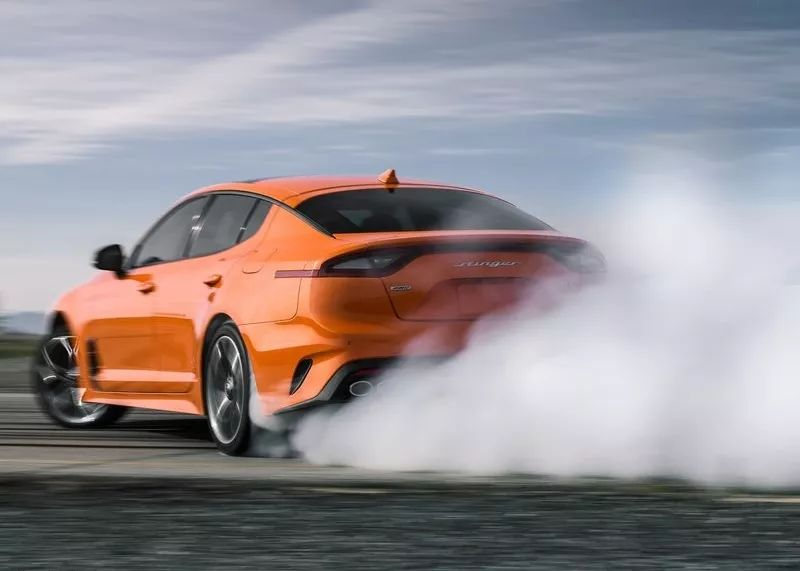 3.3T V6发动机,这台超拉风的运动轿车媲美超跑,限量800台