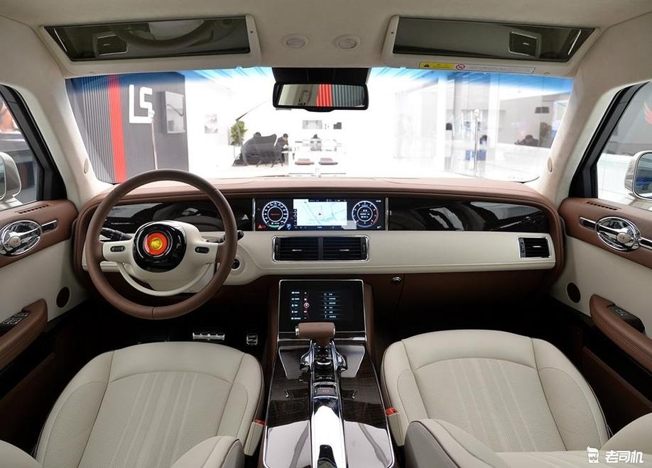 """「到店实拍」700万买到的不仅是车 别用""""普通""""的车对比红旗L5"""