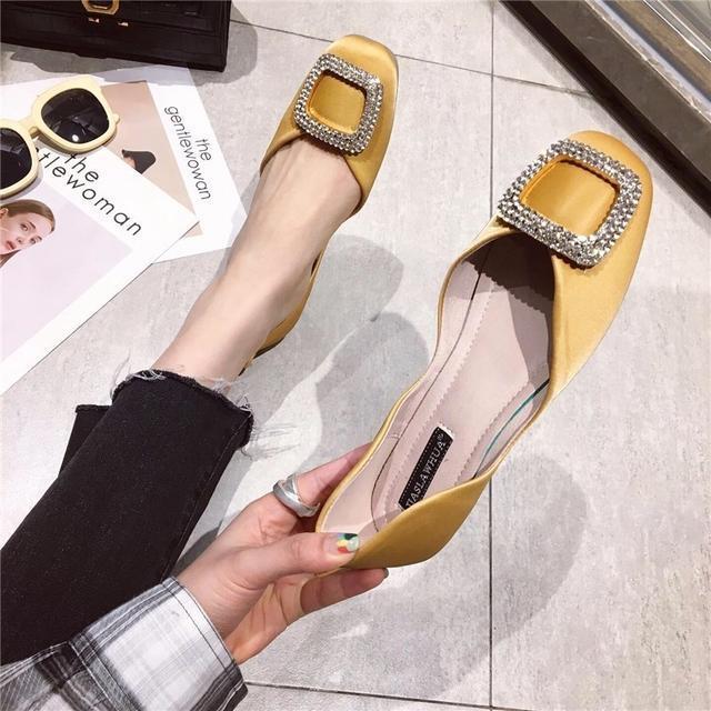 不得了,这种时尚简约的女鞋越来越受欢迎了!夏款更是爆的厉害