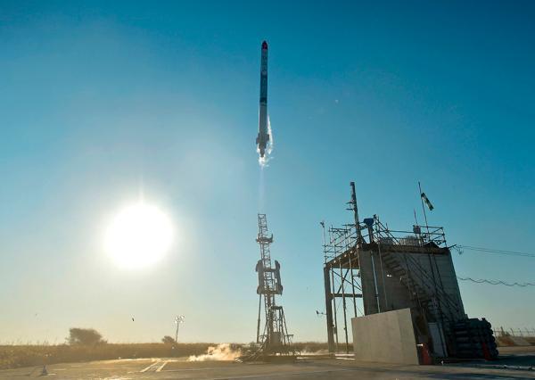 """5月4日,日本北海道大树町,日本""""星际科技""""(Interstellar Technologies)公司成功发射了自主开发的小型火箭""""MOMO""""3号机。东方IC 图"""