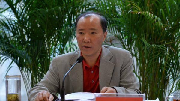茅台前董事长袁仁国:包场看战狼2,违规持记者证4年