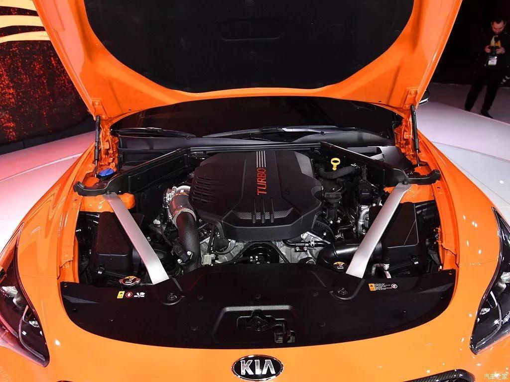 二十多万买台进口车,2.0T发动机比宝马5系还有劲!