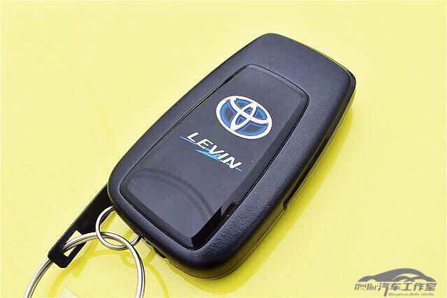 换代丰田雷凌到店实拍 卡罗拉姐妹车1.2T或售13万 比轩逸省油