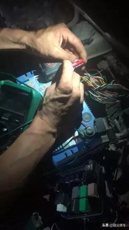 起亚K2空调不工作,修理厂修了五六天了,没有头绪