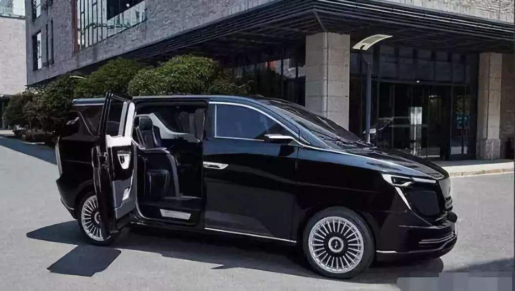 迪拜镀金归来!又一款造车新势力新车要上市,后台背景太硬