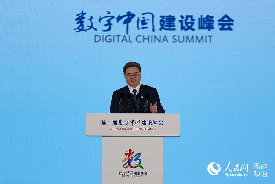 北京理工大学校长,中国工程院院士张军发言.焦艳摄