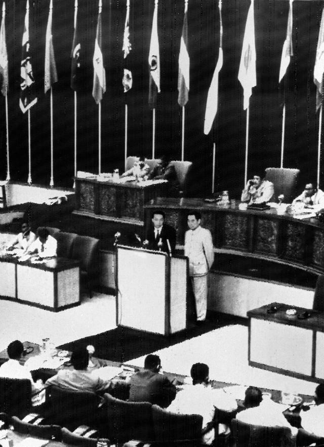 解放之初 周恩来如何布局新中国外交战略?提出这五个字!