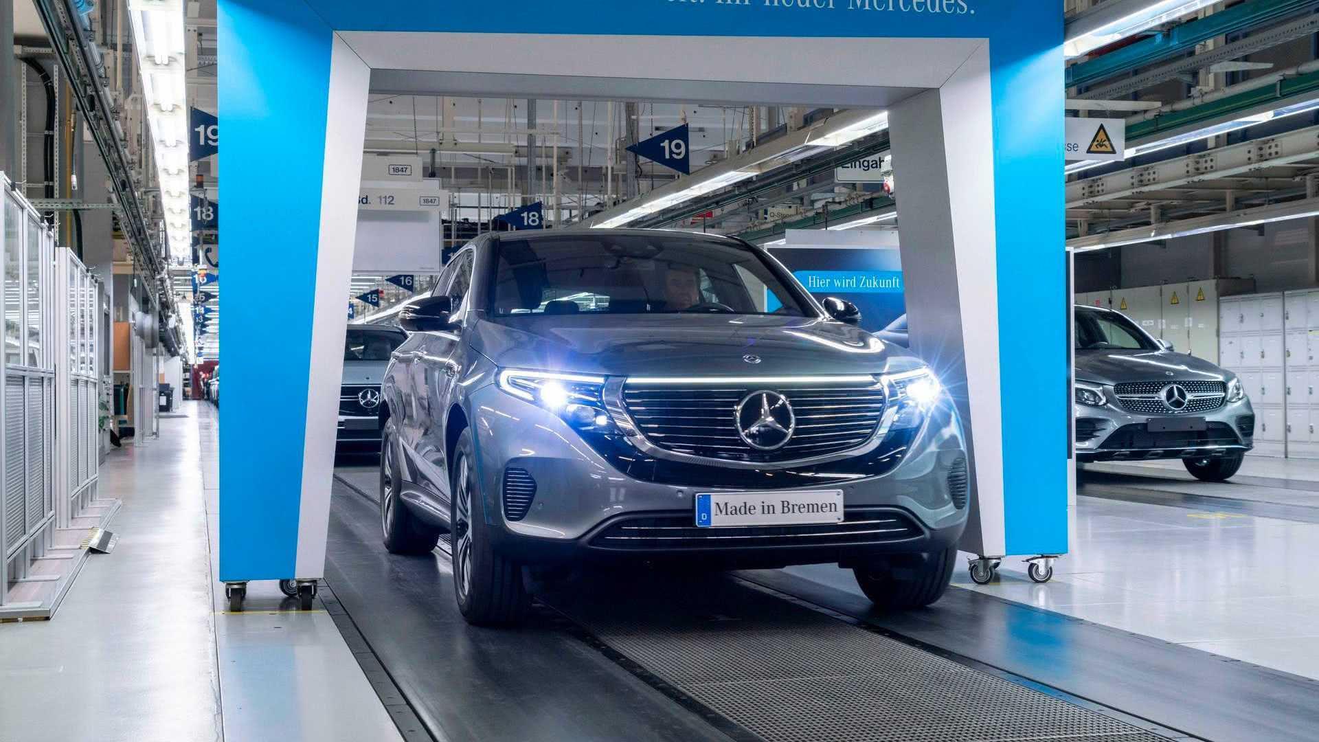 零百加速仅5.1秒,奔驰首款纯电车EQC正式量产下线!