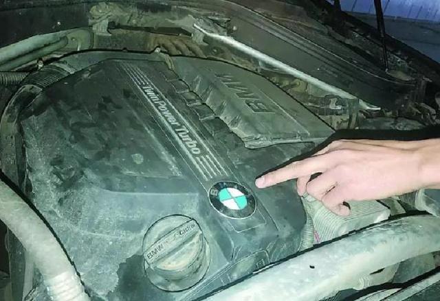 检车还是毁车?宝马X6年检时发动机突然报废,车检站回应正常!