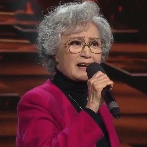 76岁杨春霞再唱现代京剧《杜鹃山》,恍如昨日、宝刀不老!