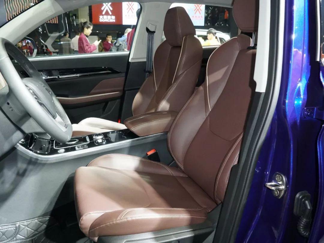 6.99万起,1.5T+8AT,这款SUV配置丰富、性价比爆棚