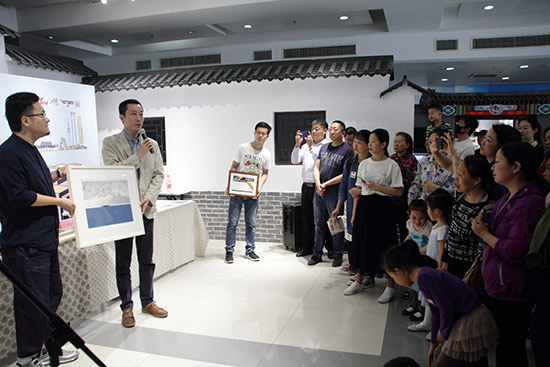 上海市中青年版画家作品展在京开幕