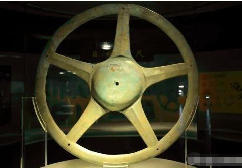 有个问题,三星堆青铜太阳轮是干嘛用的呢?