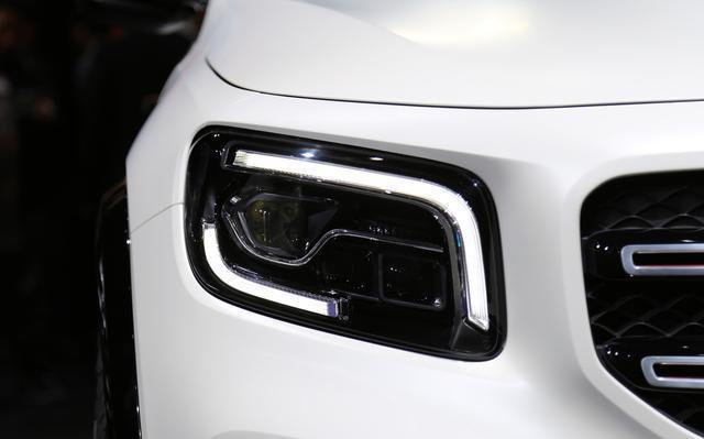 奔驰又给宝马、奥迪出难题,全新SUV七座布局,定位接近X1