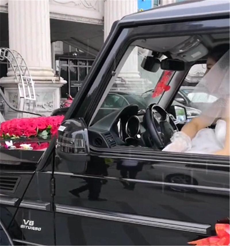 214万奔驰G63做婚车,提车得加价80万,租金一天需8千元