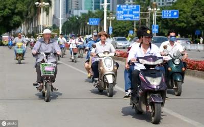 明令禁止的超标电动车 郑州市场仍在正常销售