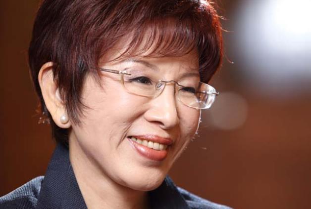 看过那么多台湾政治人物 大陆网友还是最爱洪秀柱