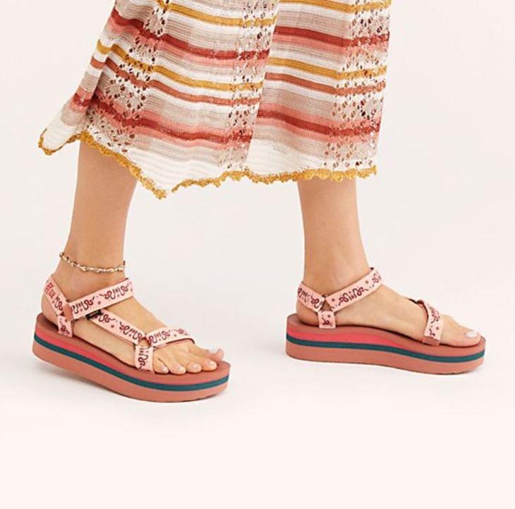 泫雅的鞋子!好方