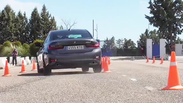 视频:看看宝马全新3系的紧急并线测试