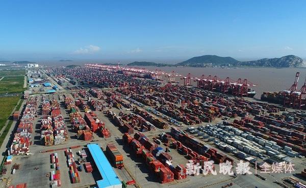 """高质量发展新动能   上海港连创四个""""新亮点"""""""