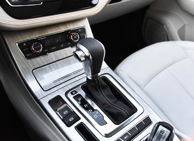 这车外观内饰不输哈弗H6,新款安全升级,7座可选,顶配10万可入
