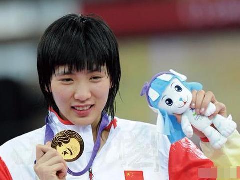 跆拳道赛场再现黑幕,中国选手郑姝音大比分领先被判罚输给东道主