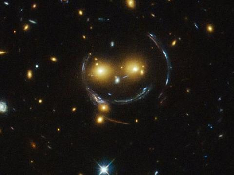 为什么哈勃能看到134亿光年外的星系,却看不到4.2光年外的行星?