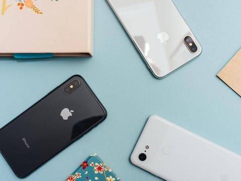 苹果向中国妥协,iPhone跌了一部小米价,网友却直言:走好不送