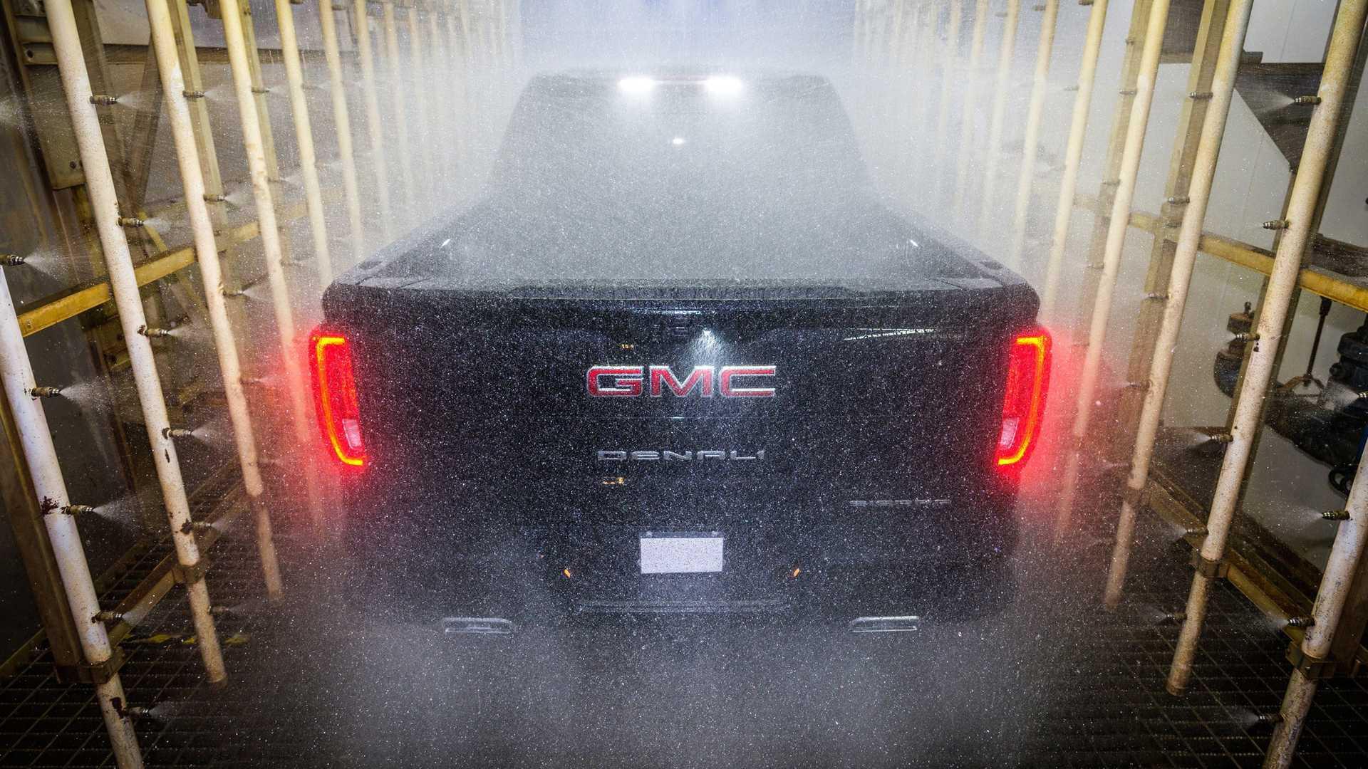 GMC 炭纤维皮卡公布价格,超7万美元,国内土豪有多少愿意买?