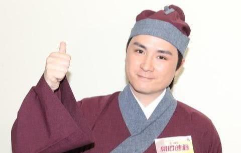 TVB绿叶生日剧组为其庆生 曾以童星出道黄日华蓝洁瑛教他演戏