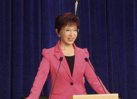 韩国瑜表态参选让国民党底气足,但也存在遗憾不如洪秀柱诚恳