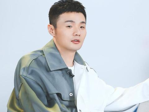 有种低调炫富叫做李荣浩,得知花几千万买豪宅时,网友:比不起