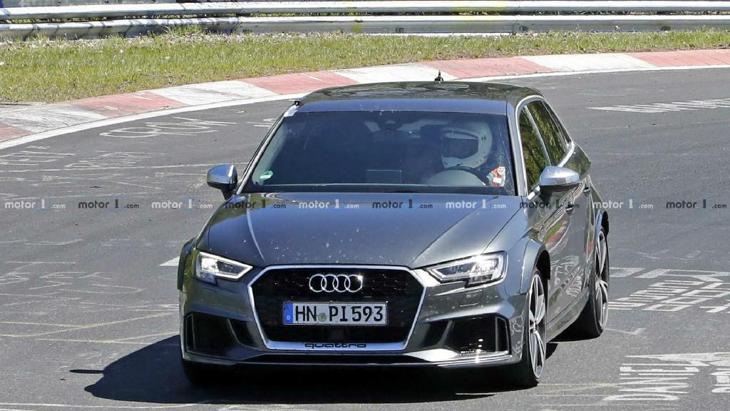 下一代奥迪RS3谍照首次曝光,测试车使用的是现款车身
