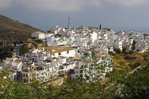 欧洲最美的小镇,距离非洲不到2公里,生活节奏闲适,风景美如画